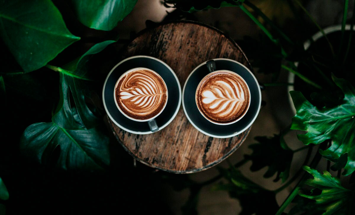 cappuccino_cups_on_table